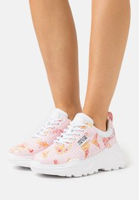 Versace Jeans Couture - Trainers - rose - 0