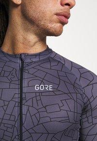 Gore Wear - GOTHAM MENS - T-Shirt print - graystone/black - 4