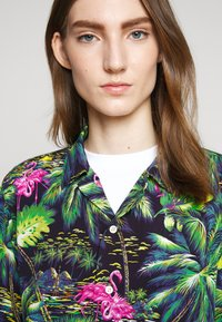 Polo Ralph Lauren - PRINTED - Camisa - green/dark blue - 8