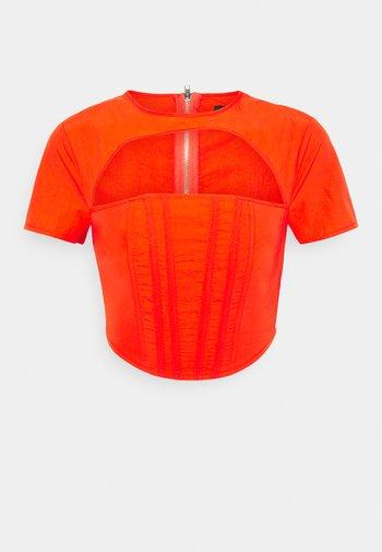 CUT OUT CORSET DETAIL - Print T-shirt - orange