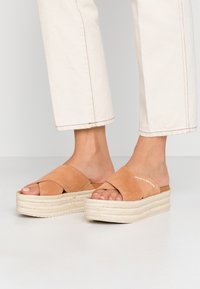 Calvin Klein Jeans - FERNANDA - Heeled mules - light brown - 0
