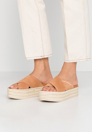 FERNANDA - Heeled mules - light brown