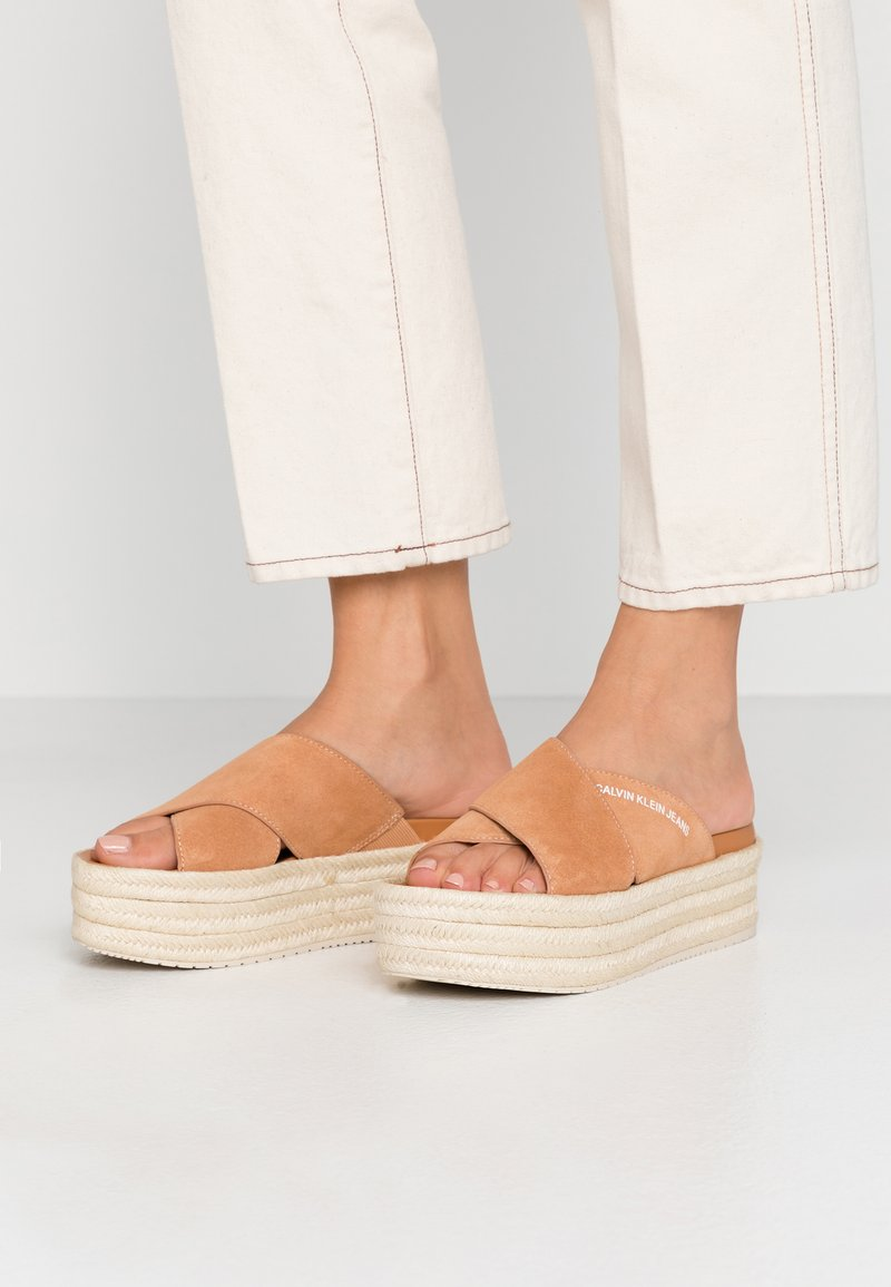 Calvin Klein Jeans - FERNANDA - Heeled mules - light brown