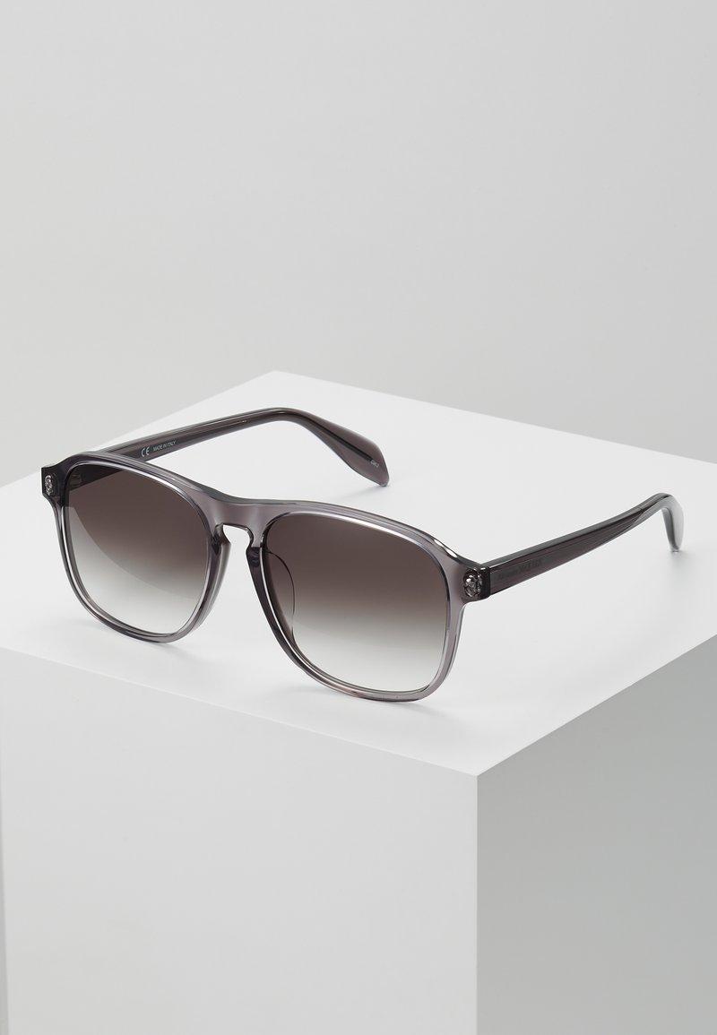 Alexander McQueen - SUNGLASS  - Sunglasses - grey/grey