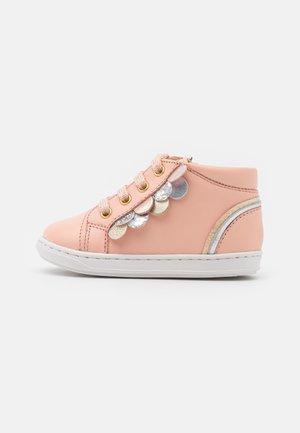 BOUBA SCALE - Dětské boty - arancio/multicolor
