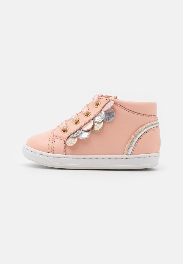 BOUBA SCALE - Vauvan kengät - arancio/multicolor