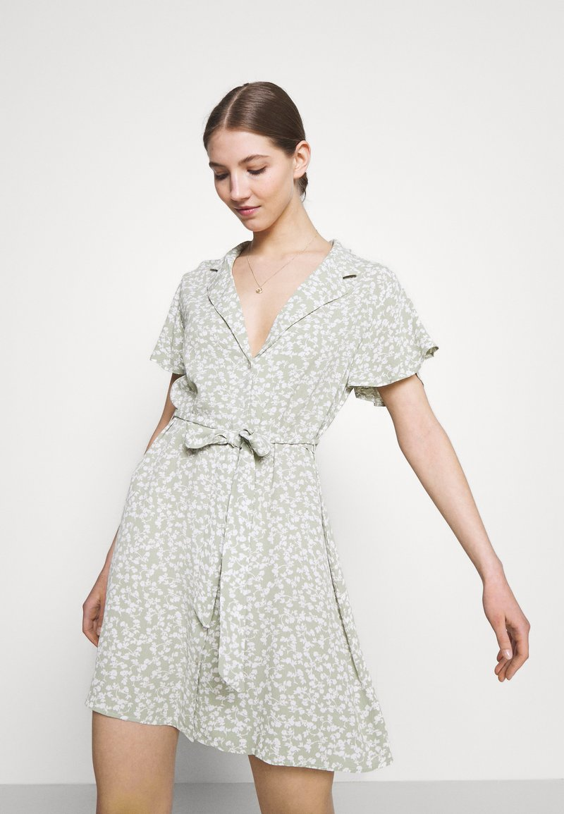 Nly by Nelly - EVERYDAY DRESS - Shirt dress - green floral