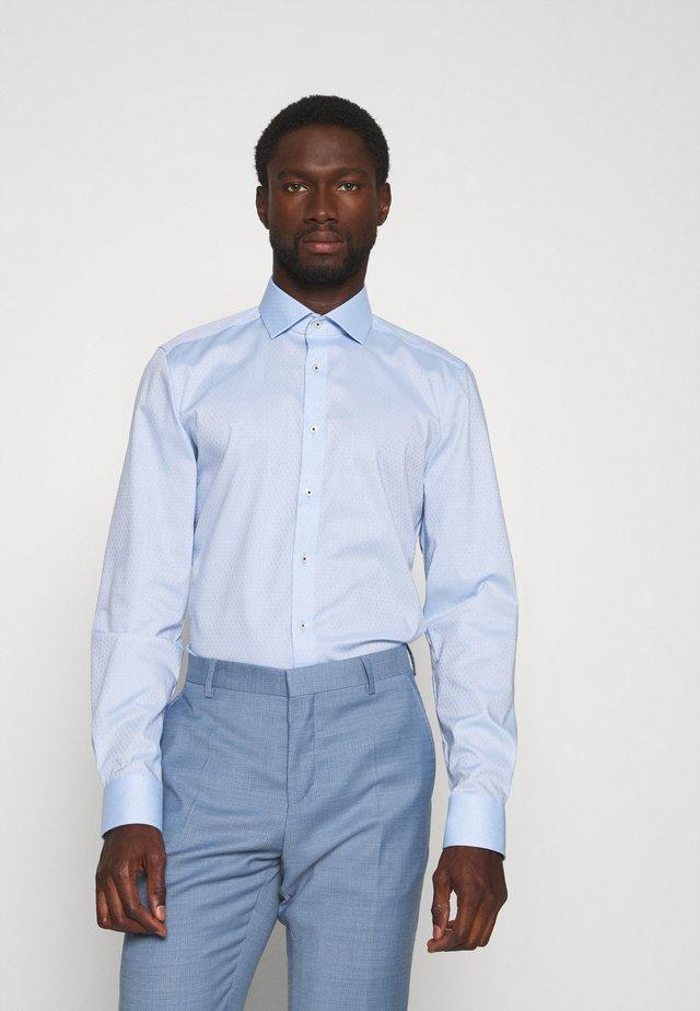 Level 5 - Businesshemd - bleu