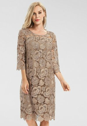 Day dress - gold