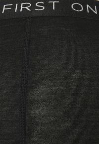 Mons Royale - SYLVIA BOYLEG - Boxerky - black - 2