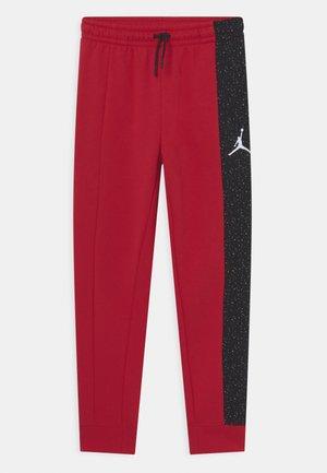 AIR SPECKLE PANTS - Pantaloni sportivi - gym red