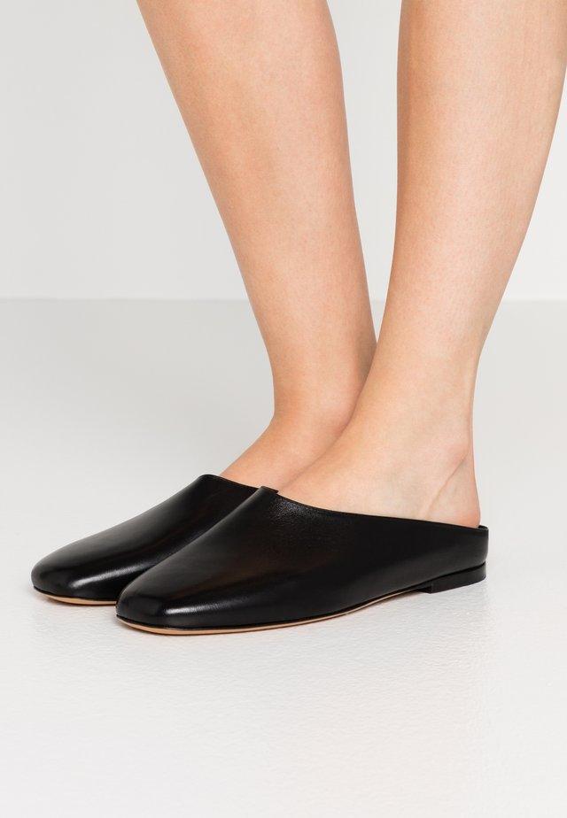 ERIN - Sandalias planas - black