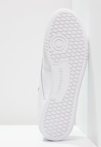 Reebok Classic - CLUB C 85 - Zapatillas - white/light grey - 6