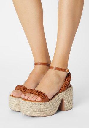 REMINGTON - Platform sandals - brown