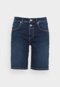 DENIM SHORTS RELAXED THEDA FIT REGULAR WAIST MID LENGTH - Denim shorts - dark commercial wash