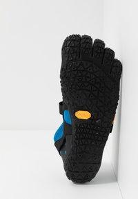 Vibram Fivefingers - V-AQUA - Zapatillas acuáticas - blue/black - 4