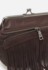 FREDsBRUDER - GRAN - Across body bag - brown - 5