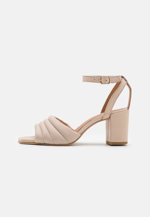 BERNE - Sandals - offwhite