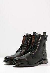 Sneaky Steve - FORDHAM - Lace-up ankle boots - black - 2