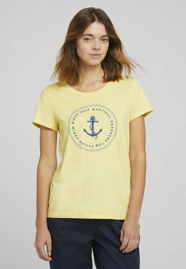ORGANIC BASIC PRINT TEE - Print T-shirt - soft yellow