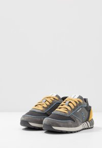 Geox - ALBEN BOY - Trainers - grey/dark yellow - 3