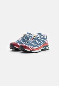 Salomon - XT-6 UNISEX - Sneakers basse - ashley blue/white/chert - 1