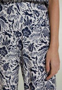 Oui - Trousers - white blue - 3
