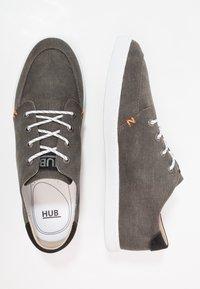 HUB - BOSS - Joggesko - black/white - 1