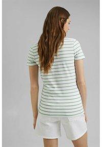 Esprit - TSHIRT DANCER - Print T-shirt - leaf green - 3