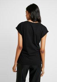 Kaffe - KACRISTY - Print T-shirt - black deep - 2