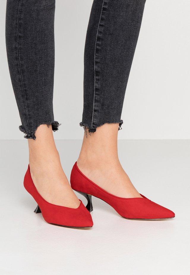 Classic heels - red