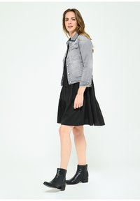 LolaLiza - Denim jacket - grey - 3