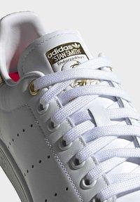 adidas Originals - STAN SMITH SHOES - Baskets basses - white - 8