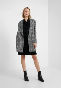 Steffen Schraut - SUMMER JACQUARD COAT - Short coat - black/white - 1