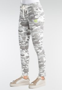 Better Rich - Tracksuit bottoms - grey camo - 2