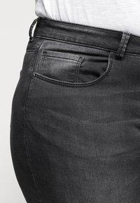 ONLY Carmakoma - CARVICKY LIFE - Jeans Skinny Fit - grey denim - 4