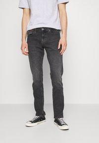 Tommy Jeans - SCANTON SLIM - Jeans slim fit - erno black - 0
