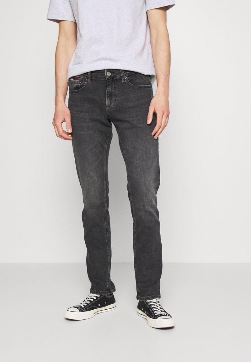 Tommy Jeans - SCANTON SLIM - Jeans slim fit - erno black
