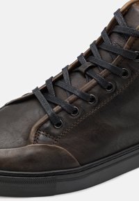 Belstaff - High-top trainers - olive - 5