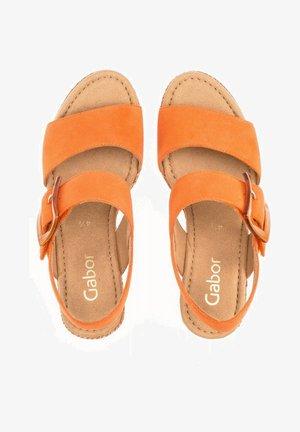 Wedge sandals - orange