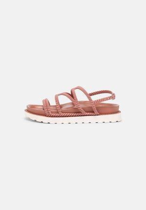 MIRIAM - Sandály - pink