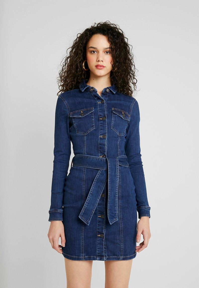 Vero Moda - VMTARA SHORT DRESS - Denim dress - dark blue denim