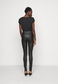 Dorothy Perkins Tall - EDEN - Kalhoty - black - 2