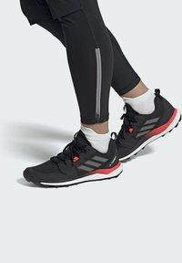 adidas Performance - ZAPATILLA TERREX AGRAVIC  - Løpesko for mark - black - 0