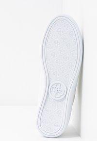 Guess - BRADLIA - Sneakers - white - 6