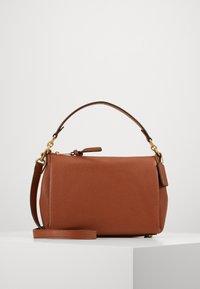 SOFT SHAY CROSSBODY - Handbag - saddle