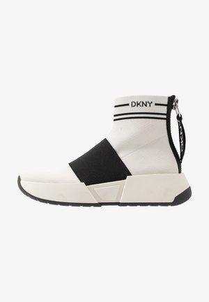 MARINI SLIP ON  - Sneakersy wysokie - vanilla/black
