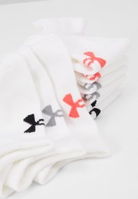 Under Armour - WOMENS ESSENTIAL 6 PACK - Calcetines de deporte - white / white / watermelon - 2