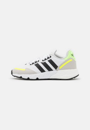 ZX 1K BOOST UNISEX - Zapatillas - footwear white/core black/solar yellow
