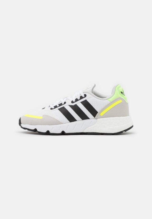 ZX 1K BOOST UNISEX - Sneakers basse - footwear white/core black/solar yellow
